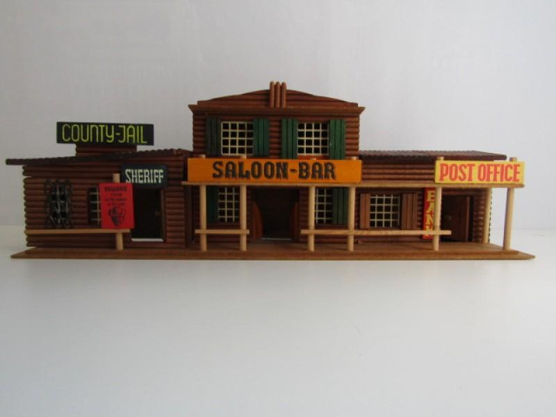 Vintage Houten Speelgoed, 'Western Town Main Street', 1/60ste