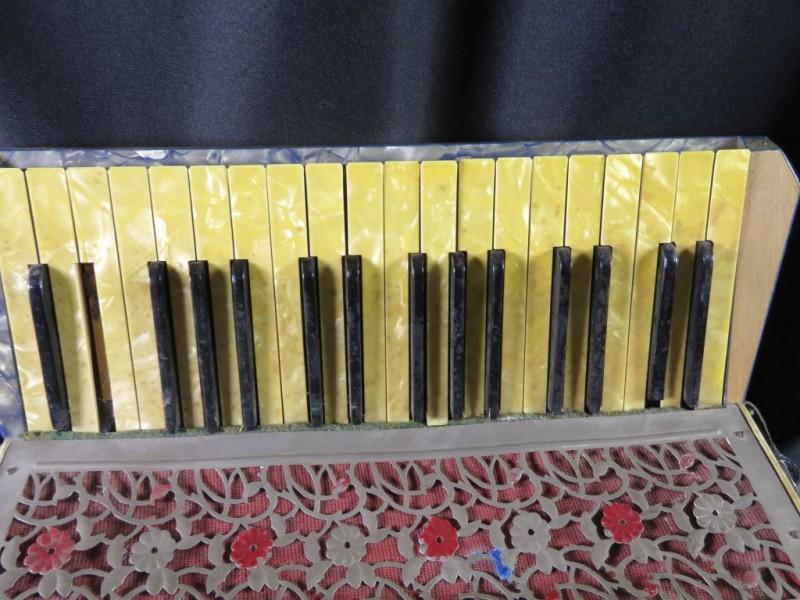 Asbak, Porselein, Oosterse natuurmotieven, Papegaaien, Handgeschilderd