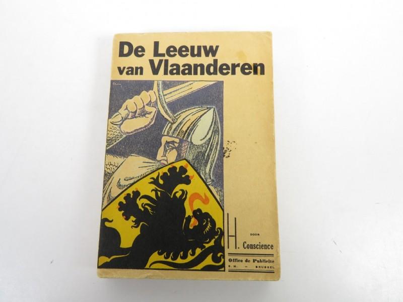 Boek - De leeuw van Vlaanderen door H. Conscience