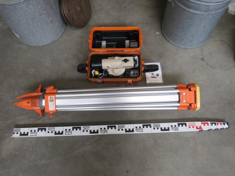 Pentax Waterpasinstrument AL-M5C + statief en meetbaak