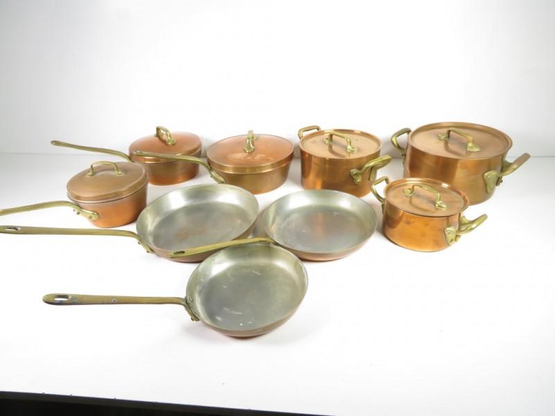 Set koperen kookpotten en pannen