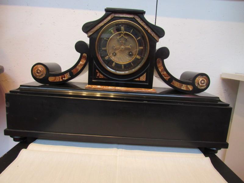 Zwart marmeren Art Deco klok