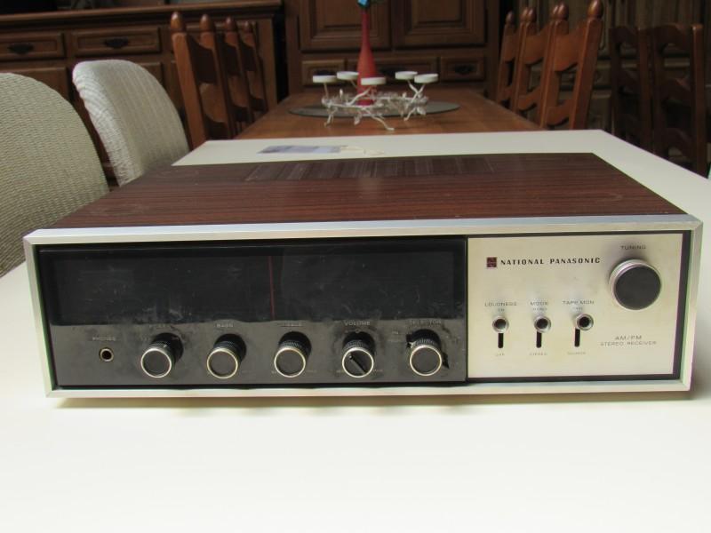 National Panasonic SA 420 AM/FM Stereo ontvanger