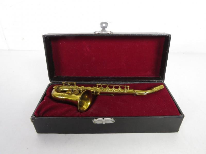 Metalen miniatuur saxofoon