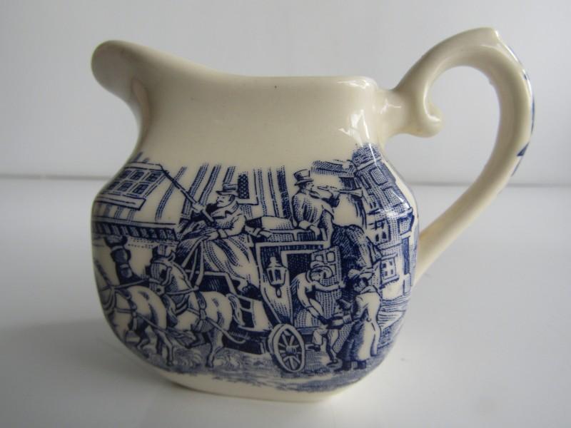 Melkkannetje: English Ironstone Tableware, Staffordshire