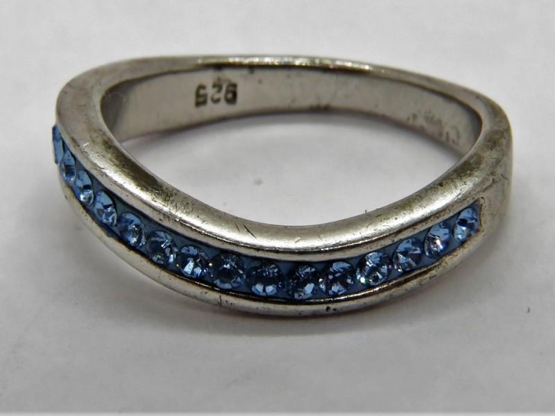 Zilveren ring 925 met blauwe stenen
