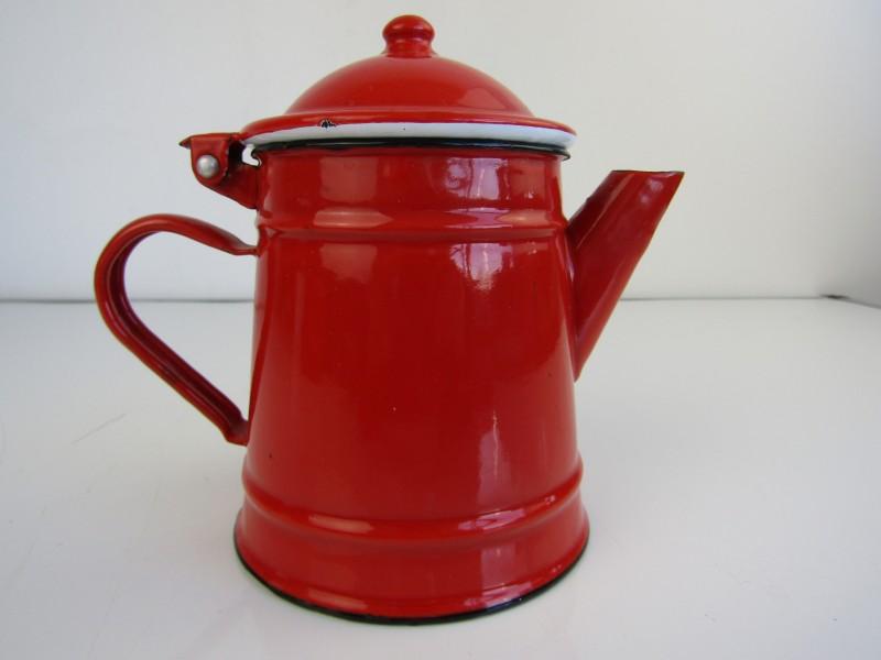 Kleine Rode Koffiepot in Emaille
