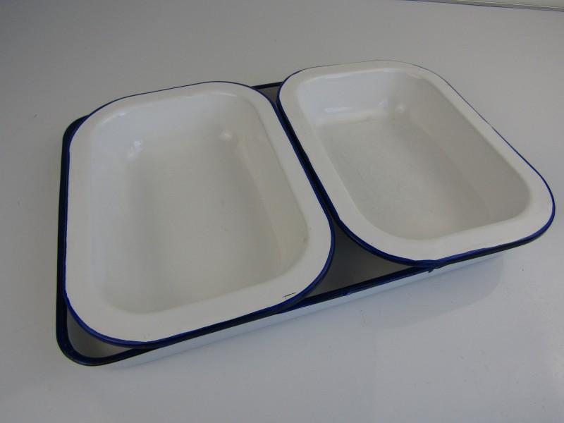 3 Vierkante Emaille Schalen