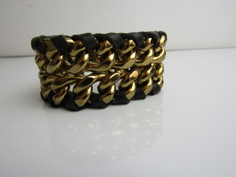 Armband: V, Made In Italy