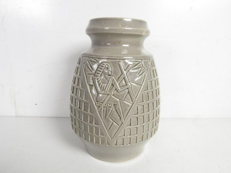 Vintage vaas met Egyptisch motief