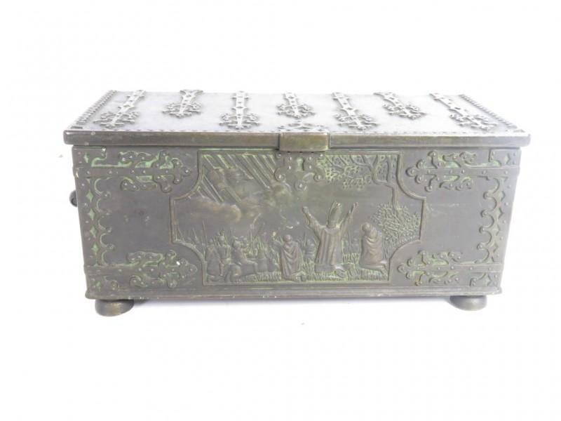 Bronzen koffertje