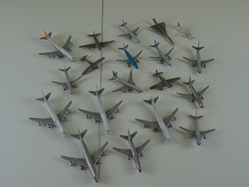 19 Schalak vliegtuigen