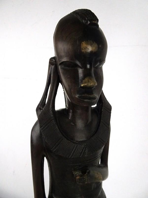Afrikaanse houten beeld