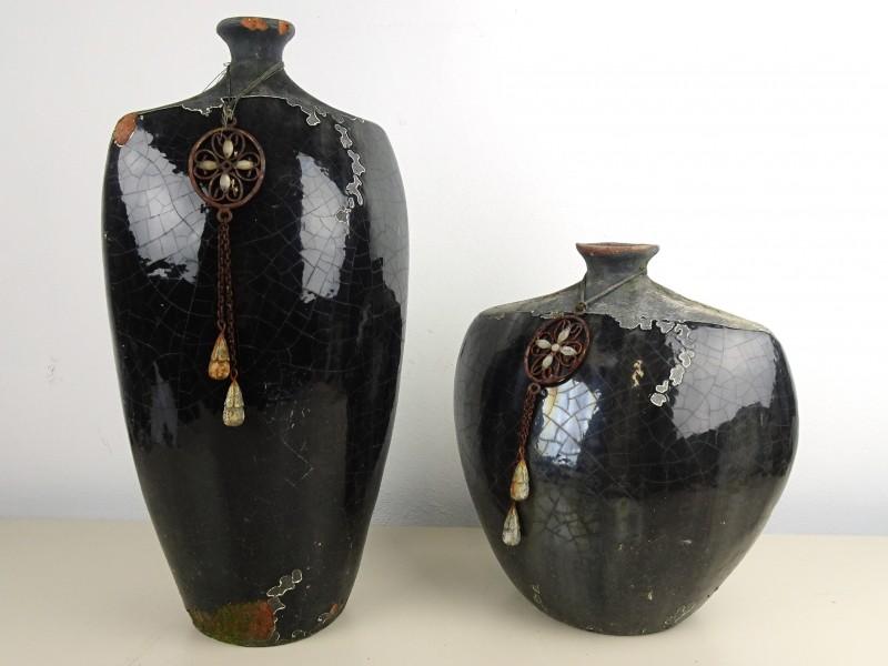Stel aardewerk vazen
