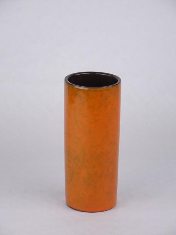 Oranje met bruin geglazuurde vaas.