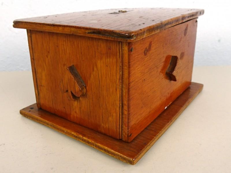 Vintage houten doos met dubbel kaartspel
