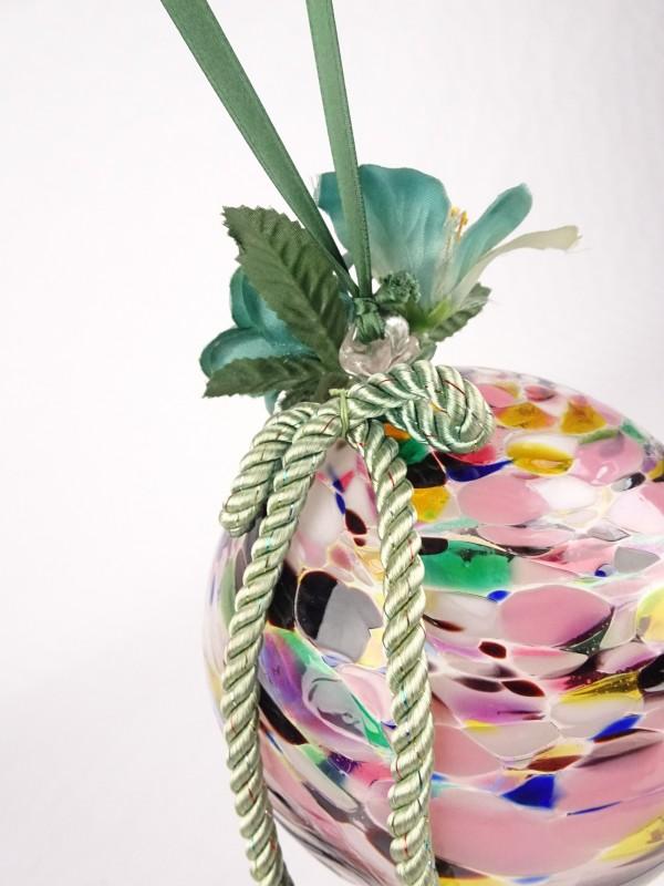 Decoratieve bal uit glas. Glasblaserei Heimbach.