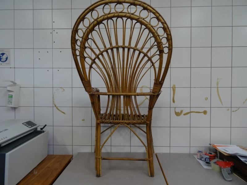 vintage rotan pauwenstoel