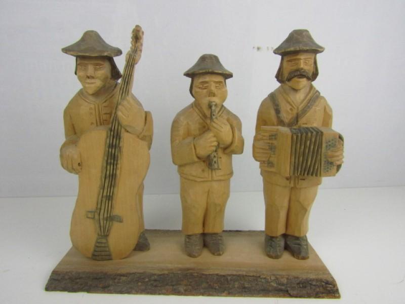 Pools Houtsnijwerk, 3 Muzikanten