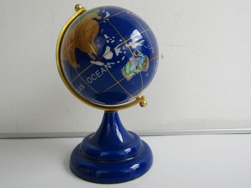 Wereldbol / Edelsteenglobe: Lapis Lazuli
