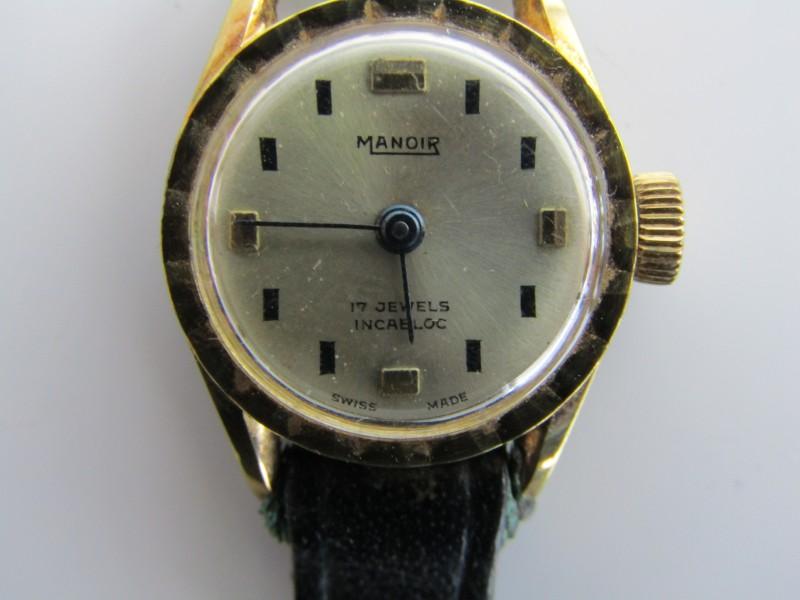 Werkende Retro Horloge: Manoir, Swiss Made