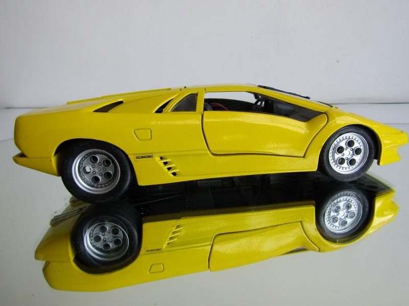 Schaalmodel: Lamborghini, MaiSTo
