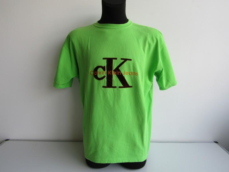 T-Shirt: Calvin Klein, XL