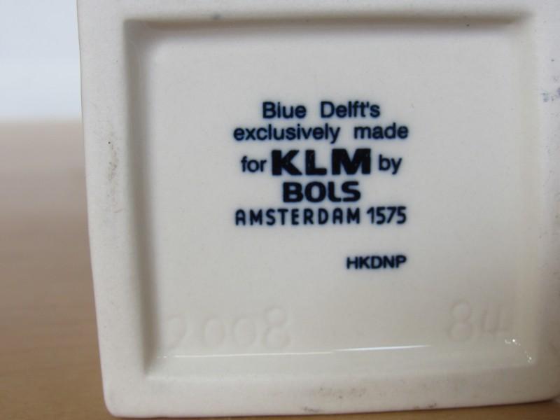 Lot 9: drie huisjes KLM - Bols jenever