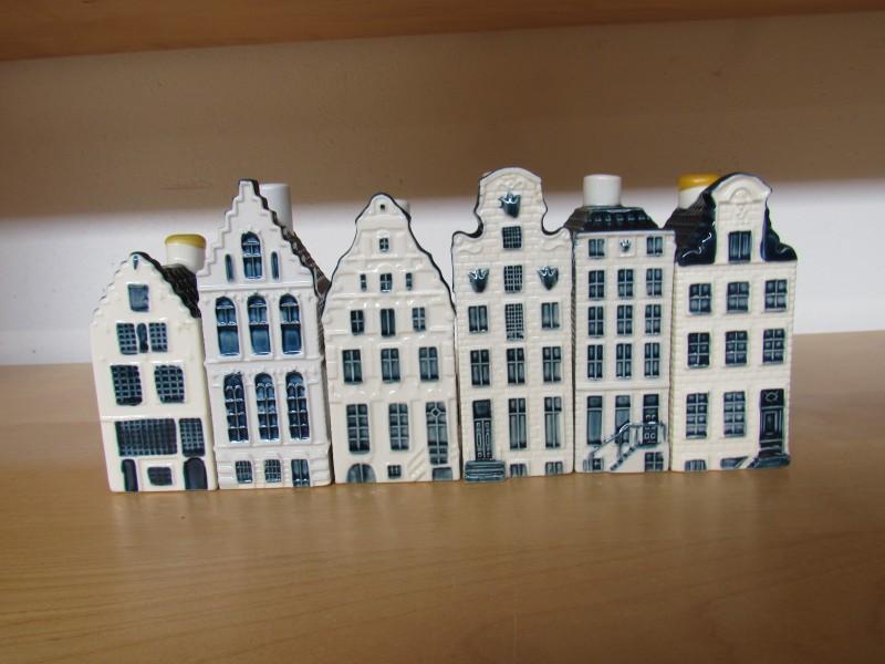 Lot 6: zes huisjes KLM - Bols jenever