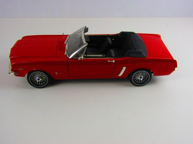 Groot Schaalmodel, Ford Mustang, model 1964, Rood