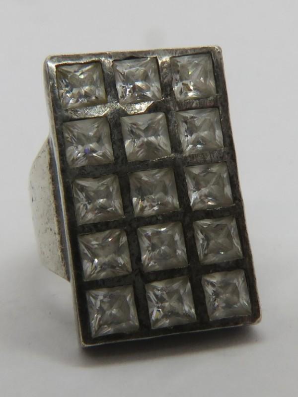 Zilveren ring 925 met witte steentjes