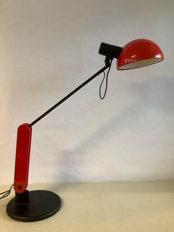 Rood-zwarte design bureaulamp: Guzzini
