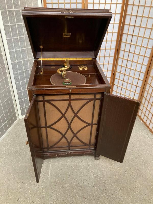 Antieke platenspeler: His Master's Voice - The Gramophone Company LTD