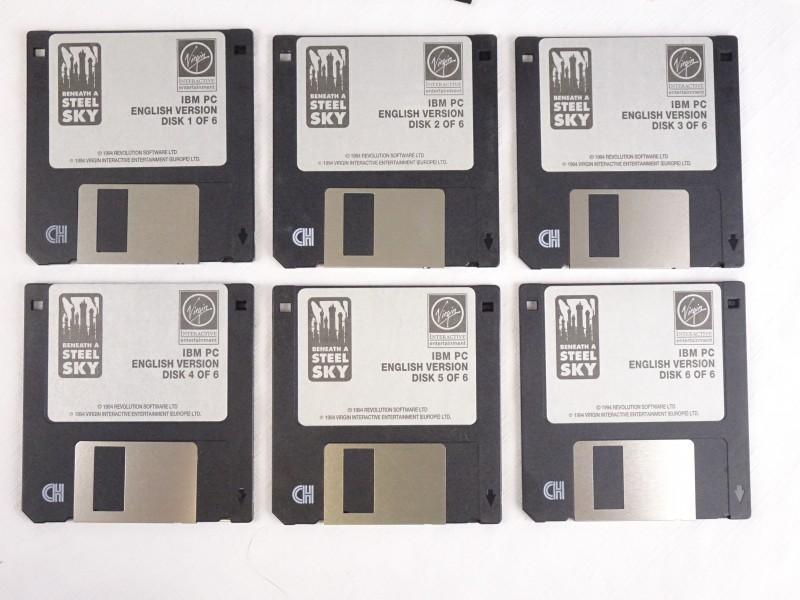 Zilveren servetringen met blauwe parel