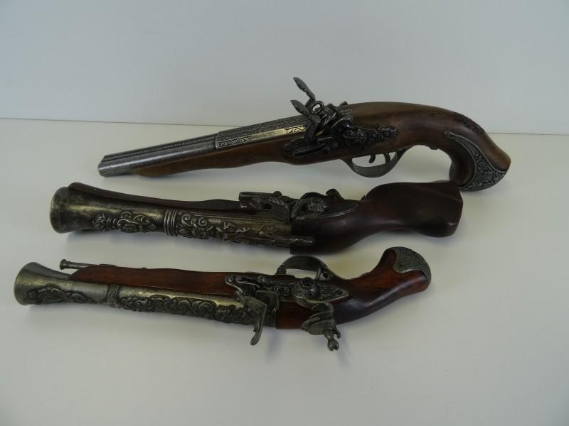 3 LARP pistolen