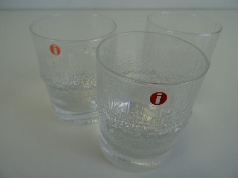 3 Iittala 'Niva' glaasjes