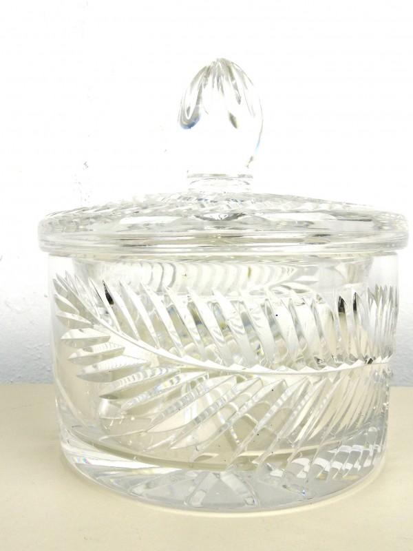 Kristallen pot met deksel