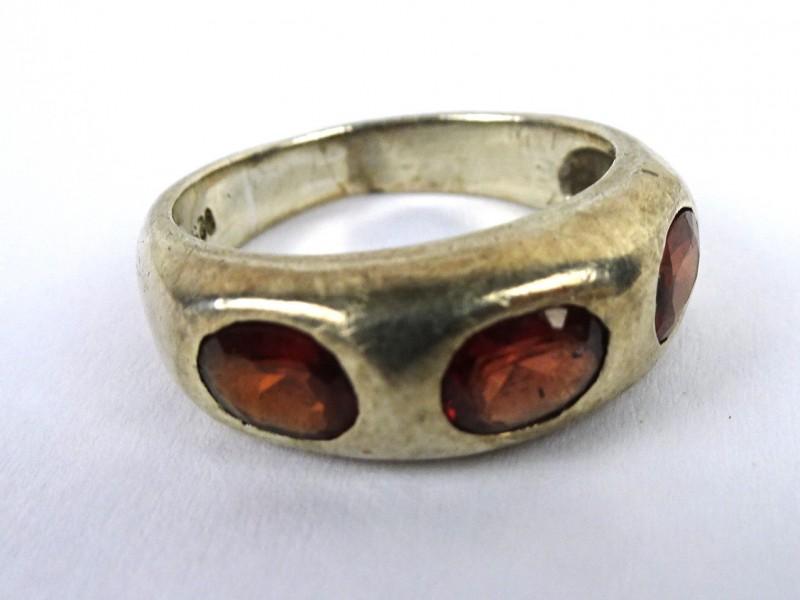 Zilveren ring 3 steentjes