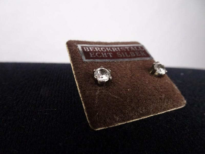925 zilveren oorbellen met bergkristal.