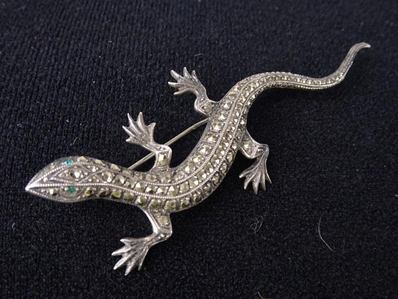 Oude 835 zilveren broche in de vorm van een salamander met marcasiet-steentjes.