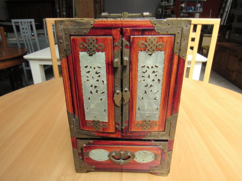 Chinees houten juwelen kastje