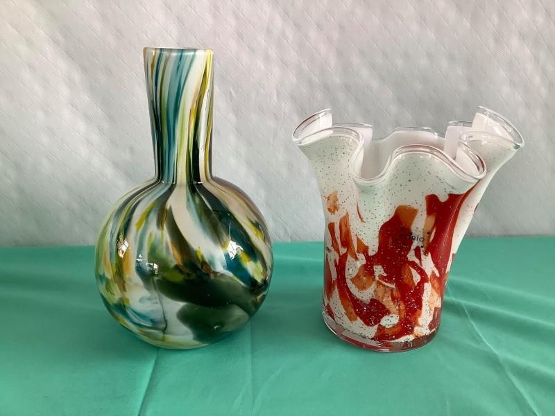 twee gevlamde glazen vazen - Fidrio