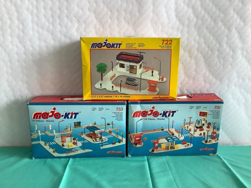Lot van 3 dozen Majo-kit