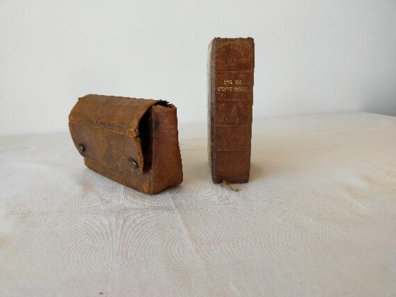 Mis en vesperboek met een leren zakje uit 1938