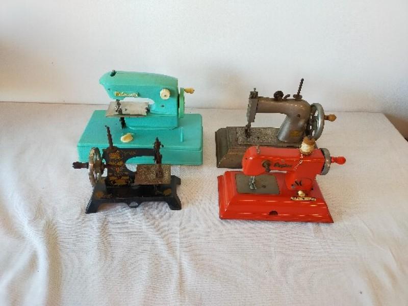 4 Mini naaimachine