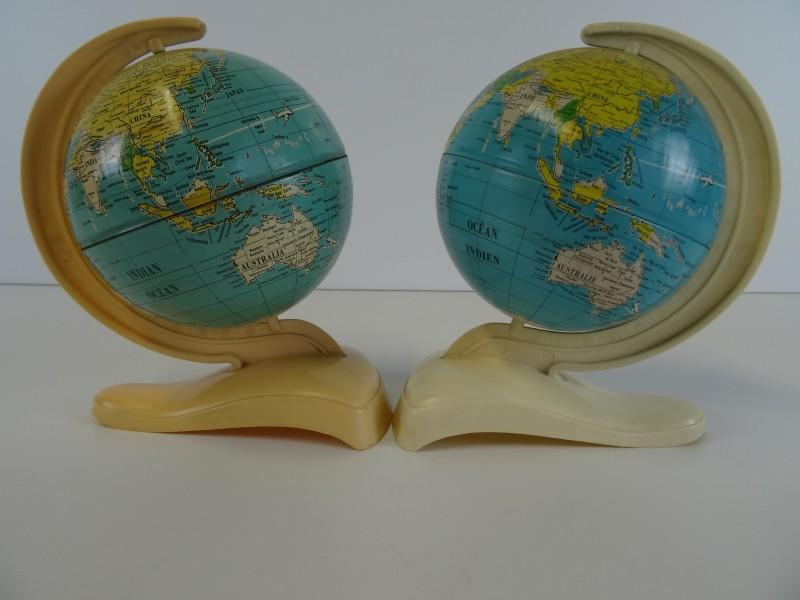 2 vintage kleine wereldbollen - MS