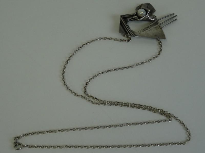 ketting met design hanger/parel