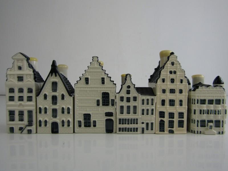 KLM's Delfts blauwe huisjes (6 stuks), nrs. 69, 70, 82, 88, 92, 97