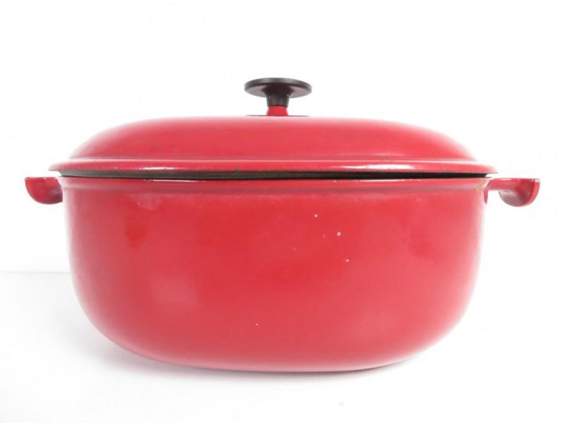 Gietijzeren kookpot gemerkt Le creuset 33