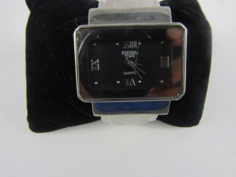 Horloge, Desing, Zilverkleurig, Diesel Time